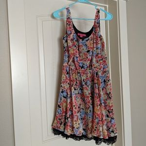 Betsey Johnson Floral Dress (Size 6)